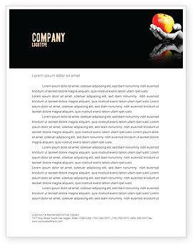 Business Concepts: Plantilla de membrete - reflejo de la manzana en la mano #03326