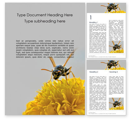 Nature & Environment: Wasp on a yellow flower Kostenlose Word Vorlage #16279