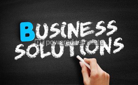 Business: Foto - texto de soluções de negócios na lousa #00512