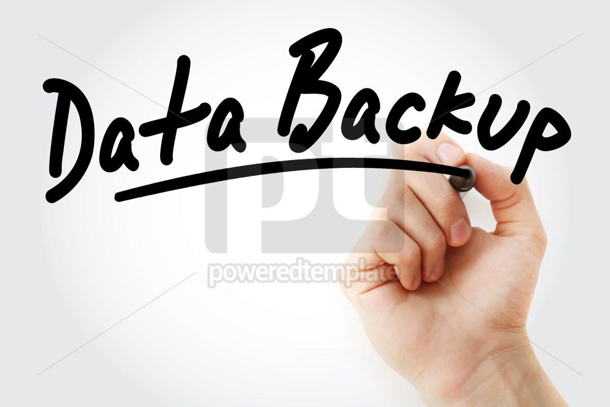 Photo main en écrivant la sauvegarde des données avec le marqueur, 01707, Business — PoweredTemplate.com