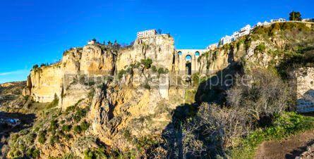 Architecture : Panoramablick von puente nuevo brücke in ronda city andalusien Foto #02892