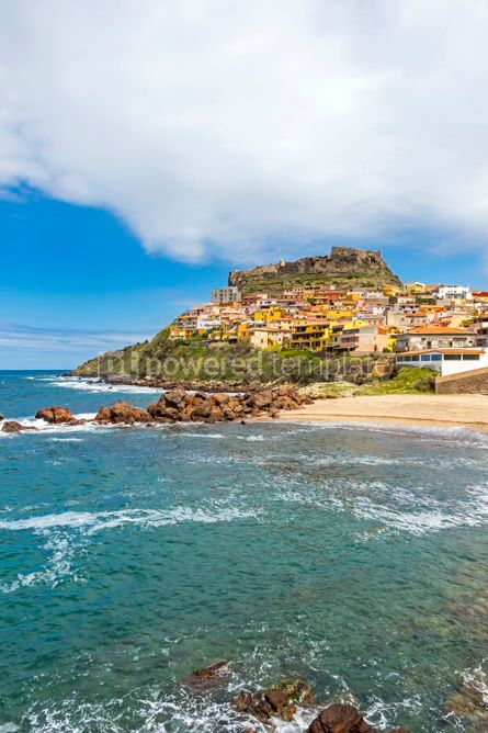 Architecture : Picturesque view of Medieval town of Castelsardo Sardinia Ital #02984