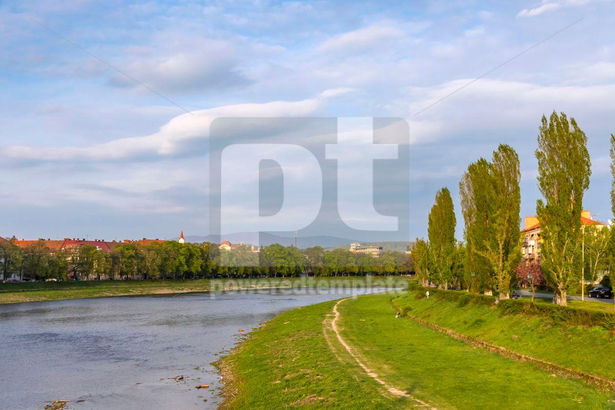 Spring view of Uzh river in Uzhhorod city Ukraine, 03085, Nature — PoweredTemplate.com