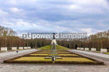 Architecture : Soviet War Memorial (Treptower Park) in Berlin Germany #03114