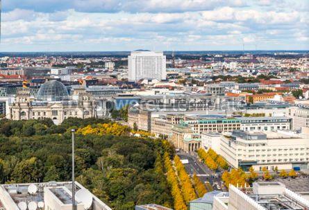 Architecture : Bundestag building and Brandenburg Gate in Berlin Germany #03195