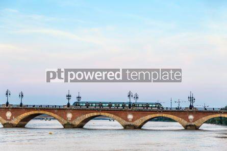 Architecture : Pont de Pierre bridge over Garonne river in Bordeaux France #03197
