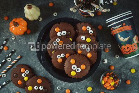 Food & Drink: Homemade Chocolate Chip Cookies whith spooky candy eyes for Halloween Party. #03267