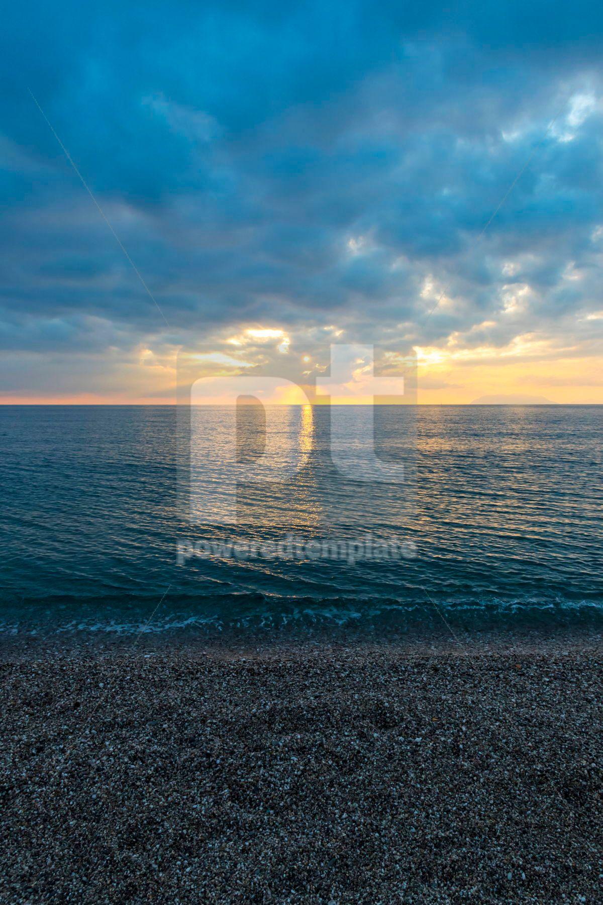 Sunset over Tyrrhenian Sea in Milazzo Sicily Italy, 03479, Nature — PoweredTemplate.com