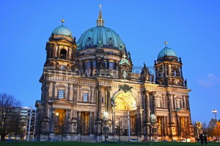 Architecture: Berlin Cathedral (Berliner Dom) at evening #03535
