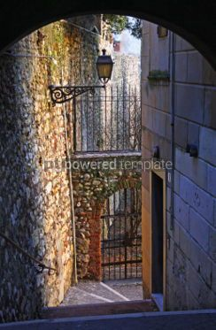 Architecture : Small yard in Verona old town Italy #03543