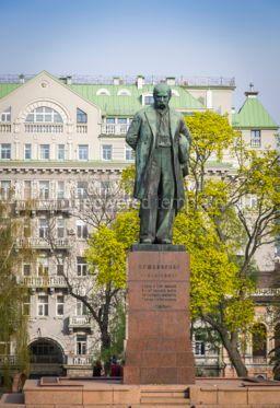 Architecture : Monument to the famous ukrainian poet Taras Shevchenko in Kyiv  #03566