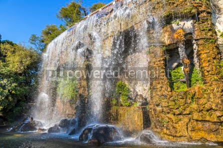Architecture : Scenic view of waterfall in Castle Hill Park (Parc de la Colline #03789