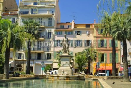 Architecture : On the strret of Cannes city France #04062
