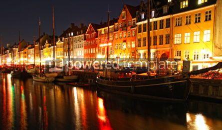 Architecture : Boats at the Nyhavn harbor in night Copenhagen Denmark #04111