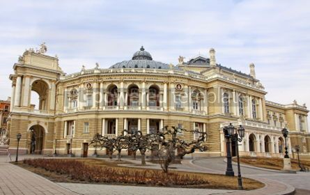 Architecture : Odessa National Academic Theater of Opera and Ballet Ukraine #04164