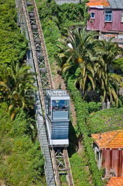 Transportation: Funicular dos Guindais and picturesque houses in historic centre #04535