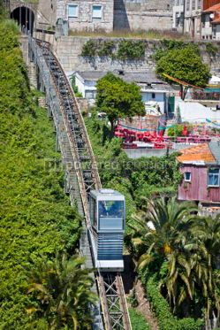Transportation: Funicular dos Guindais and picturesque houses in historic centre #04536