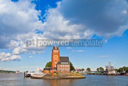 Architecture : Lotsenhaus Seemannshoft (Pilot house) in the port of Hamburg Ge #04540