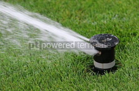 Sports : Automatic water irrigator in action #04588