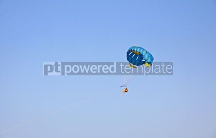 Sports: People enjoy paragliding in the sky #04598