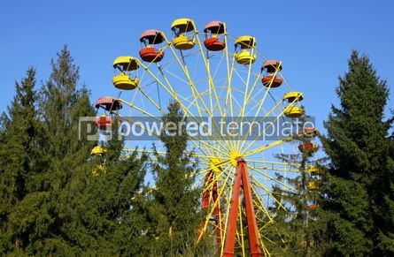 Architecture : Vintage Ferris wheel in an amusement park #05202