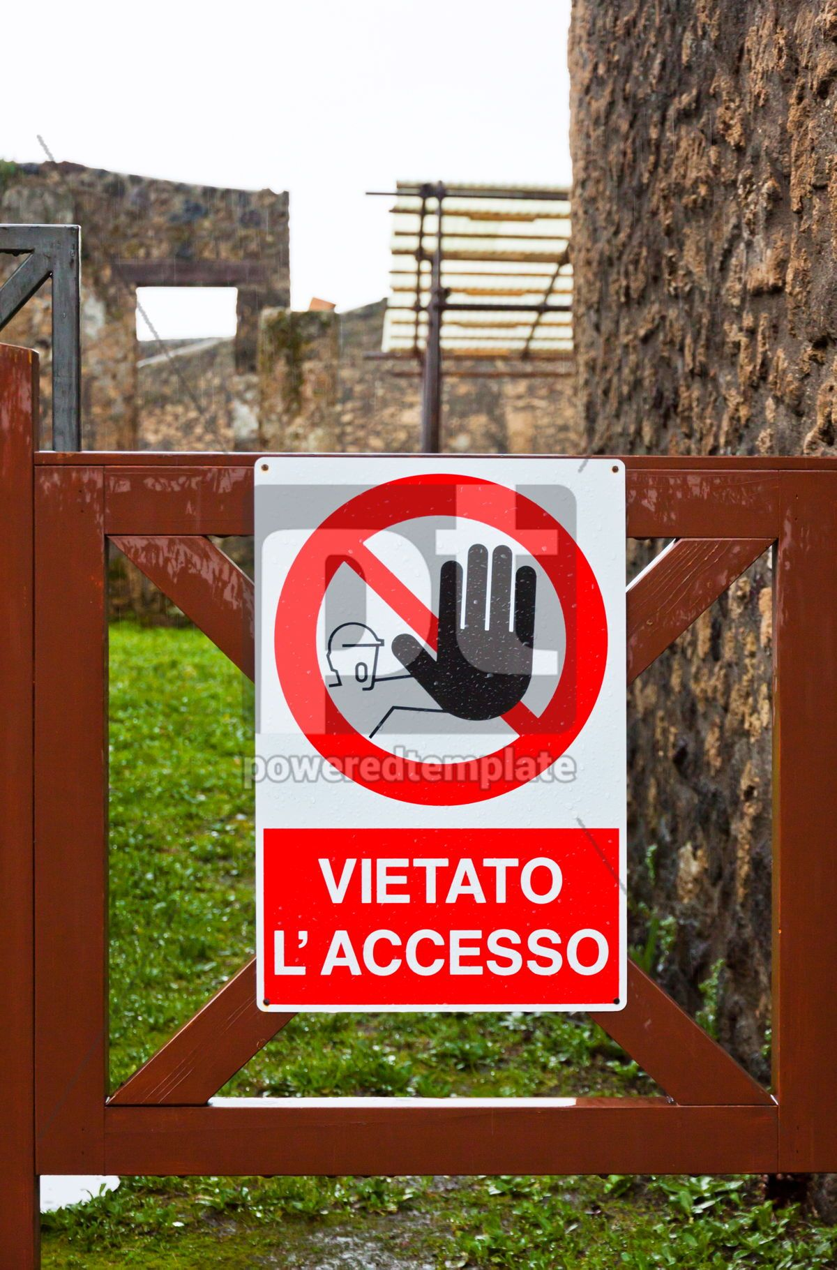 No access sign at construction area in Italy, 05204, Architecture  — PoweredTemplate.com