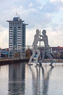 Architecture : Molecule Man sculpture on Spree River in Berlin Germany #05310