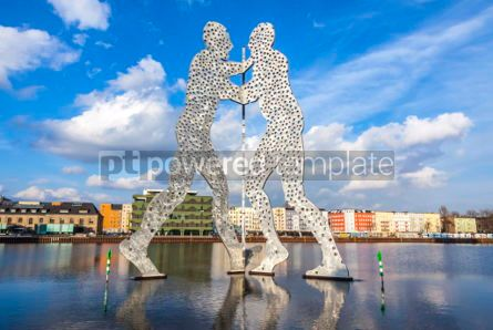 Architecture : Molecule Man sculpture on Spree River in Berlin Germany #05314