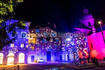 Architecture : Festive Christmas decorations on facades of buildings in Como I #05561