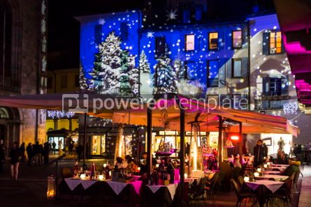 Architecture : Festive Christmas decorations on facades of buildings in Como I #05567
