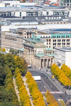 Architecture : Brandenburger Tor (Brandenburg Gate). One of the famost landmark #05674