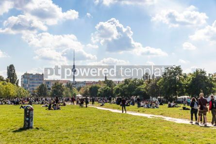 People: People enjoy sunny Sunday at Mauerpark in Berlin #07389