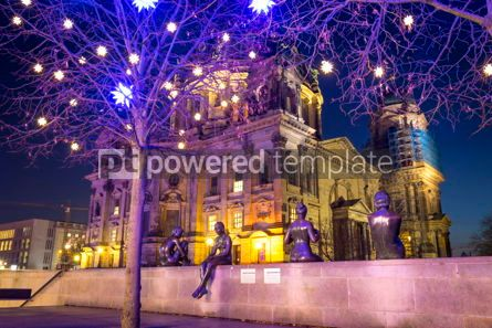 Architecture : Three Girls and a Boy statues in Berlin Germany #07657