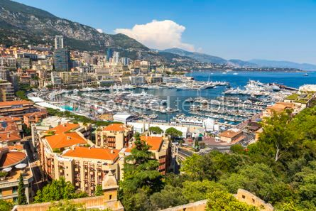 Architecture : Luxury yachts and apartments in harbor of Monte Carlo Monaco #07843