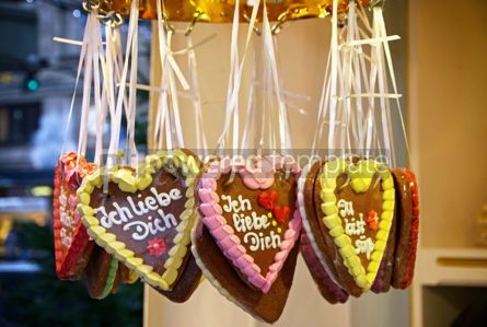 Holidays: Handmade gingerbread heart cookies - traditional Christmas gift #09252