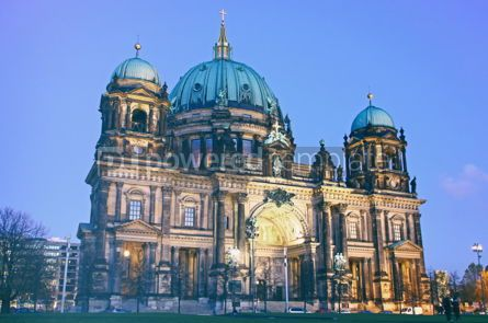 Architecture : Berlin Cathedral (Berliner Dom) at evening #12296