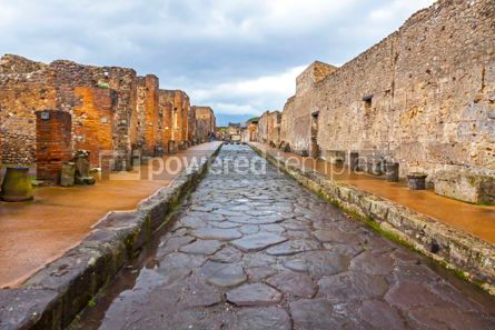 Architecture : Paved street at the ancient Roman city of Pompei Italy #13382