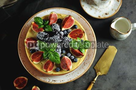 Food & Drink: Homemade delicious cheese cake with fresh figs and frozen blueberries #13538