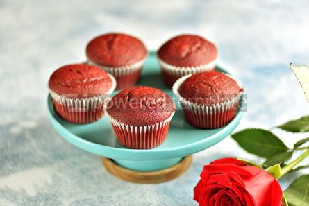 Food & Drink: Classic Red velvet cupcakes #13775