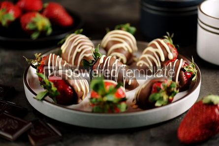 Food & Drink: Delicious fresh strawberries in milk and white chocolate #14114
