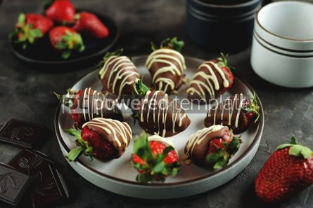 Food & Drink: Delicious fresh strawberries in milk and white chocolate #14126