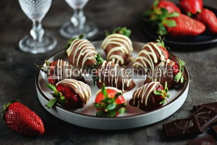 Food & Drink: Delicious fresh strawberries in milk and white chocolate #14128