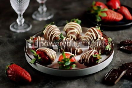 Food & Drink: Delicious fresh strawberries in milk and white chocolate #14129