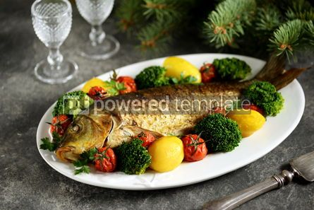 Food & Drink: Baked carp fish with potatoes cherry tomatoes and broccoli Healthly food #14236