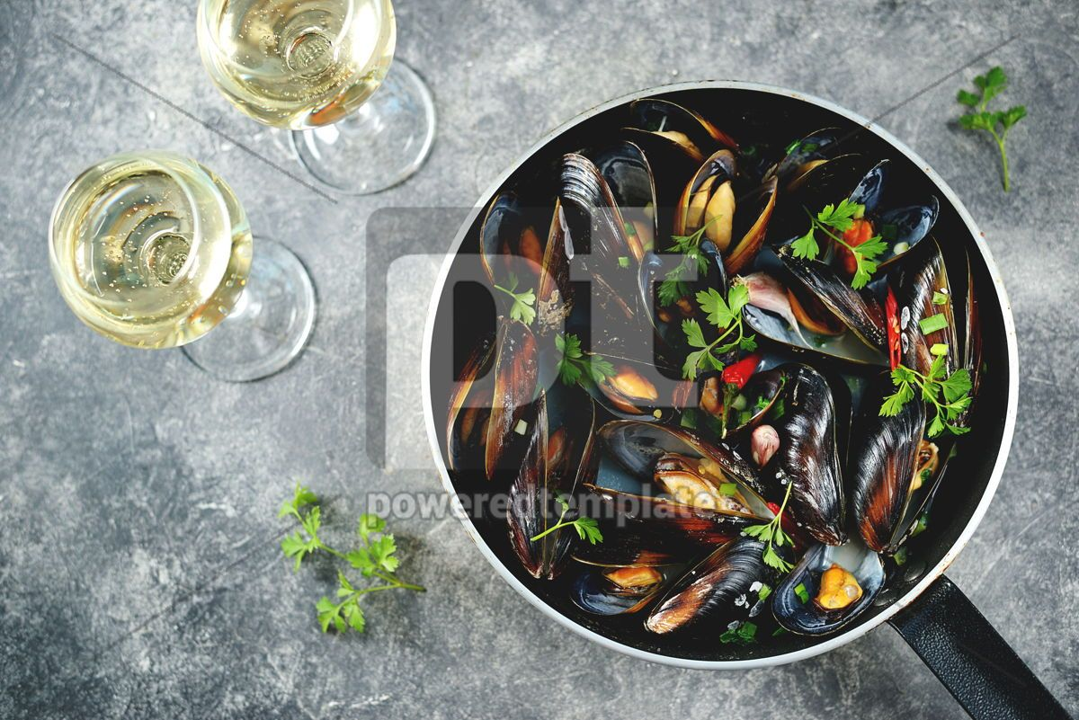 Fresh wild mussels in shells with green onions garlic parsley chili pepper white wine and olive, 14242, Food & Drink — PoweredTemplate.com