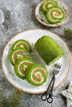 Food & Drink: Homemade spinach roll with smoked salmon and cream cheese Healthy food #14294