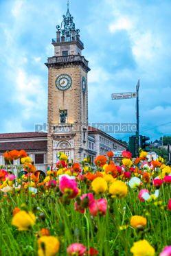 Architecture : Torre dei Caduti on Piazza Vittorio Veneto in Bergamo Italy #15352