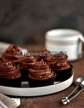 Food & Drink: Delicious homemade chocolate capkakes with chocolate cream #15364