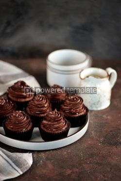 Food & Drink: Delicious homemade chocolate capkakes with chocolate cream #15365