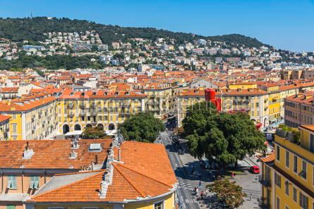 Architecture : Colorful historical houses in Nice city France #15733
